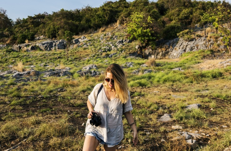 Travel solo woman tips